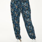 WWB4932-MAJOLICA-BLUE–Atkins-Printed-Dashka-Bamboo-Jersey-Sweatpants-In-Majolica-Blue–2