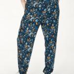 WWB4932-MAJOLICA-BLUE–Atkins-Printed-Dashka-Bamboo-Jersey-Sweatpants-In-Majolica-Blue–3