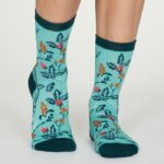 spw537-bright-turquoise–margery-organic-cotton-flower-socks-in-bright-turquoise–2