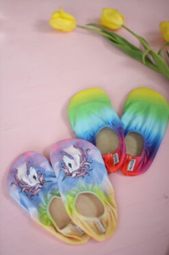 Slipstop sussid, Rainbow , lastele Basseinisussid lastele - HellyK - Kvaliteetsed lasteriided, villariided, barefoot jalatsid