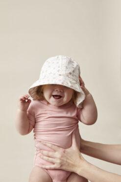 En Fant päikesekaitsemüts kaabu, SPF50, Faded Denim Lasteriided - HellyK - Kvaliteetsed lasteriided, villariided, barefoot jalatsid