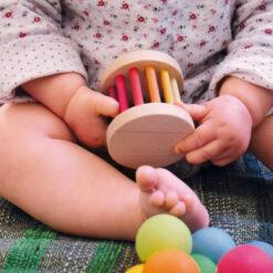 """Grimm´s kõristi """"Mini Baby Roller"""" Beebimänguasjad - HellyK - Kvaliteetsed lasteriided, villariided, barefoot jalatsid"""